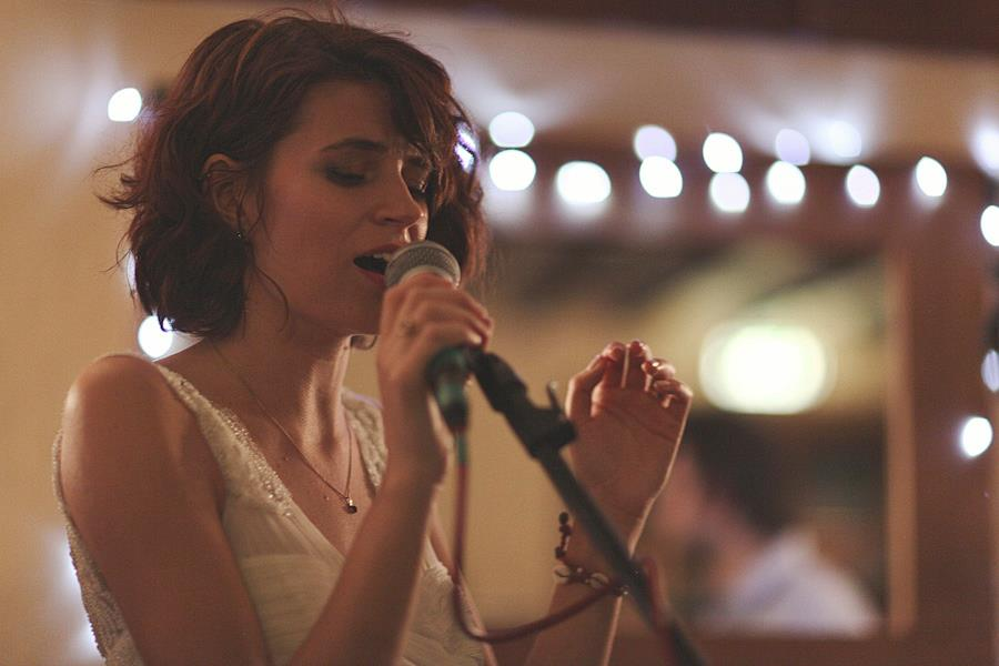 Holly even sang at her own wedding!