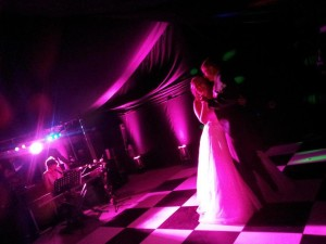 First Dance to Hey There Delilah.  Photo by Kirsty Berridge of Minnie Bees Floral Design.