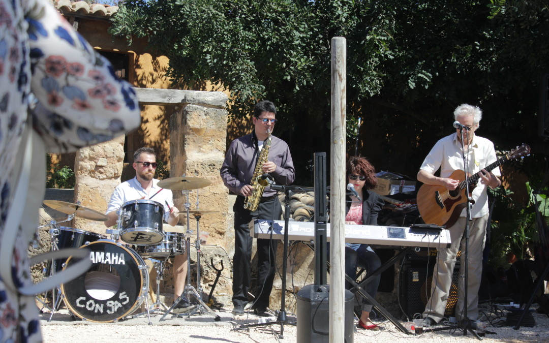 Con Gas party band Mallorca – at Cocos Gardens Opening